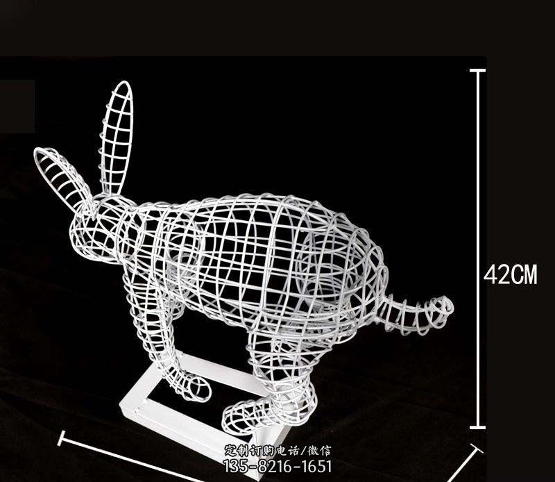 户外不锈钢镂空兔子雕塑
