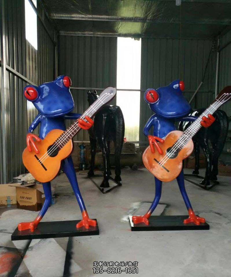 不锈钢音乐青蛙雕塑